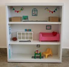 How To Make A Dollhouse Out Of A Bookcase Clever And Frugal Miniature Dollhouse Ideas