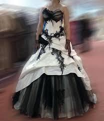 brautkleid schwarz weiss faragé brautkleid weiß in größe 38 für 800 auf wunsch