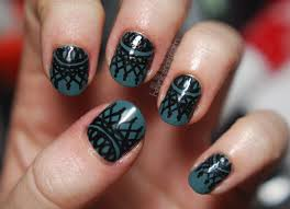 hand painted lace design inspired by the illustrated nail her