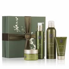 last minute gift guides beauty fashion style beauty life