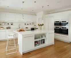 cuisine blanche carrelage gris superbe cuisine blanche carrelage gris 8 plan de travail cuisine
