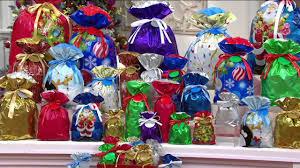 kringle express 74 ez drawstring gift bag set with tags on