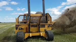 dynamic ditchers bale shredder 135 hp tractor 2 round bales