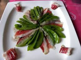 cuisiner des pois gourmands recette de salade pois gourmand et magret de canard fumé