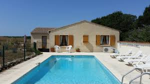 holiday rental accommodation private swimming pools dordogne