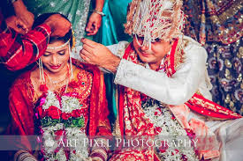 Indian Wedding Photographer Prices Maharashtrian Wedding Photographer Candid Wedding Photography