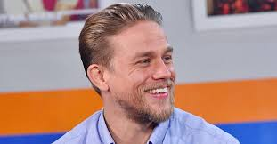 how to get thecharlie hunnam haircut charlie hunnam talks about his girlfriend in total film 2017