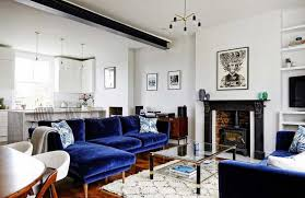 canapé velours bleu mur de briques et canapé en velours bleu nuit canapé en velours