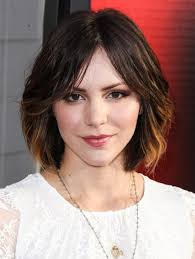 short haircuts with middle part katharine mcphee short hairstyles middle parted choppy 70 s bob