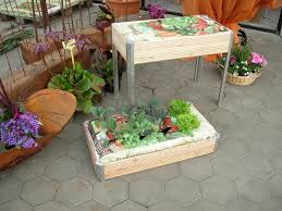 krã uter balkon kräuterkisten für minigarten gardening auf terasse balkon
