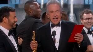 Oscar Meme - la la land over moonlight memes reactions to hollywood s