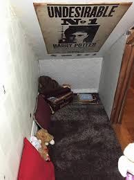 harry potter et la chambre avoir un placard sous l escalier en guise de chambre comme dans