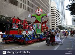 houston usa 24th nov 2016 a float goes past spectators during