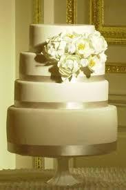 five fun wedding cake trends bridalguide
