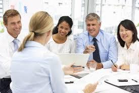 bureau recrutement réunion de bureau de recrutement banque d images et photos libres de