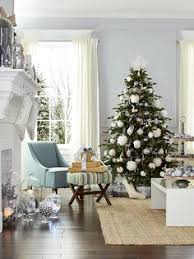 make sure every bit of 9 ft tree is decked for the