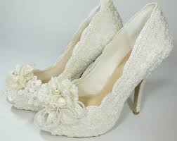 choosing the right pair of ivory wedding shoes for your wedding