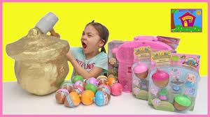 hailey smashes a golden surprise toys acorn with lil woodzeez