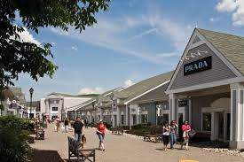 a guide to outlet shopping at the woodbury commons