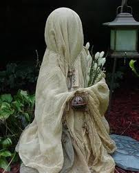 Creative Outdoor Halloween Decorations by Best 25 Scary Halloween Yard Ideas On Pinterest Scary Halloween
