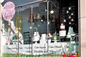 wedding cake shops wedding cake shoppe window display cakes window