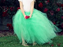 how to make a tulle skirt how to make a classic tulle tutu how tos diy