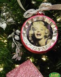 Marilyn Monroe Christmas Ornaments - 33 best novelty christmas trees and ornaments images on pinterest