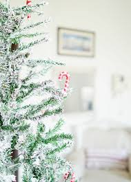 christmas diy how to snow flock a christmas tree