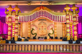 Hindu Wedding Mandap Decorations Archana Prem 561 Mandap Decor Pinterest Decoration Wedding
