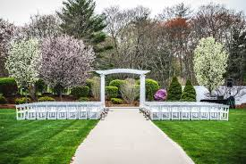 wedding venues outdoor pros and cons of outdoor wedding venues saphire event
