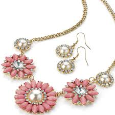 pearl necklace costume images Gorgeous fashion costume jewellery eye catching ladies flower jpg