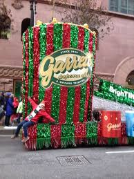 a float that smells like garrett popcorn is part of mag mile