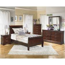 Ashley Bedroom Set With Leather Headboard Bedroom Ashley Leather Sleigh Bed Travertine Alarm Clocks Lamp