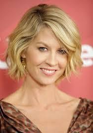 bob hairstyles u can wear straight and curly 10 stylish wavy bob hairstyles for medium short hair popular