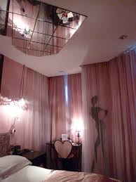 hotel chambre avec miroir au plafond hotel chambre avec miroir au plafond 100 images plafond chambre