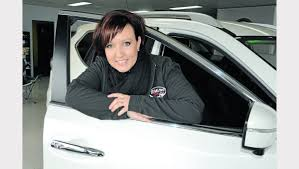 nissan australia general manager do a deal with laura at nissan hyundai parkes champion post