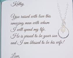 card to groom from on wedding day of the pearl bracelet of the groom