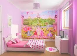 papier peint chevaux pour chambre papier peint princesse d un décor tout en pour fille
