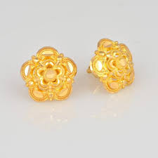 design of gold earrings with design traditional gold jewellery maharashtrian marathi ornaments