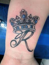 the 25 best crown tattoo design ideas on pinterest crown