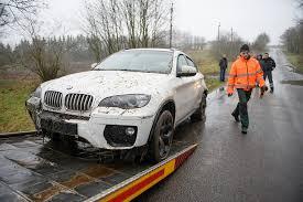 cars bmw x6 policija sučiupo vogtą bmw x6 purvyne paskandinusį įtariamąjį