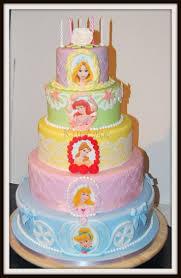 princess cakes best 25 disney princess birthday cakes ideas on