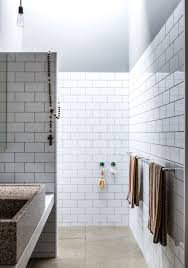Modern Subway Tile Bathroom Designs Home Design Ideas - Modern subway tile bathroom designs