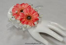 prom corsages and boutonnieres corsage boutonnieres prom homecoming vickie s flowers brighton