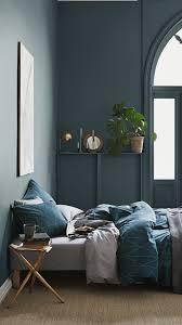 radiateur pour chambre une planche au dessus du radiateur pour poser choses et tout peint