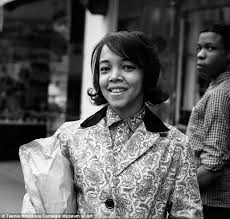 hairstyles in the late 60 s hairstyles worn by african american women in the 40s 50s and 60s