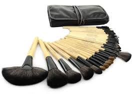 good quality 32 pcs makeup brush kit makeup brushes with leather case wood