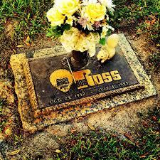 til bob ross is buried at woodlawn memorial park in gotha florida