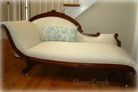 Fainting Bench Furniture Flippin U0027 A Not To Be Forgotten Fainting Couch