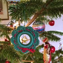 a christmas wreath u2013 free crochet pattern u2013 made with loops